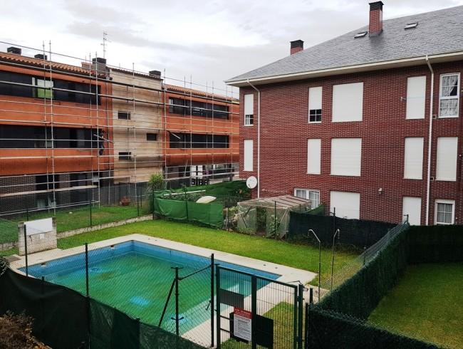 Piso en venta en Los Corrales de Buelna con 2 habitaciones, 1 baños y 77 m2 por 81.500 €