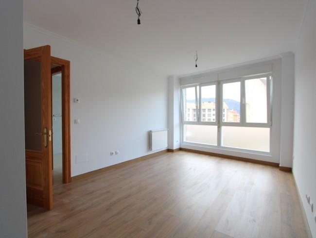 Piso en venta en Los Corrales de Buelna con 2 habitaciones, 2 baños y 68 m2 por 69.000 €