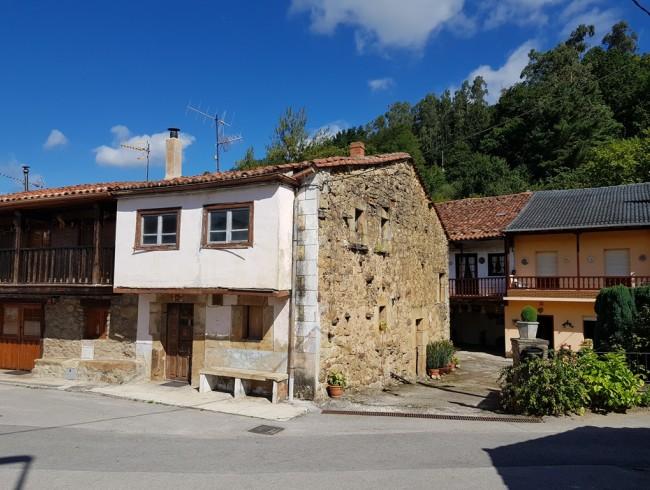 Casa en venta en Molledo con 2 habitaciones, 1 baños y 145 m2 por 37.000 €