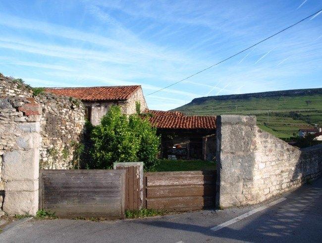 Casa en venta en Suances con 322 m2 por 78.630 €