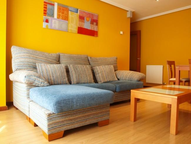 Piso en alquiler en Torrelavega con 2 habitaciones, 1 baños y 65 m2 por 450 €/mes