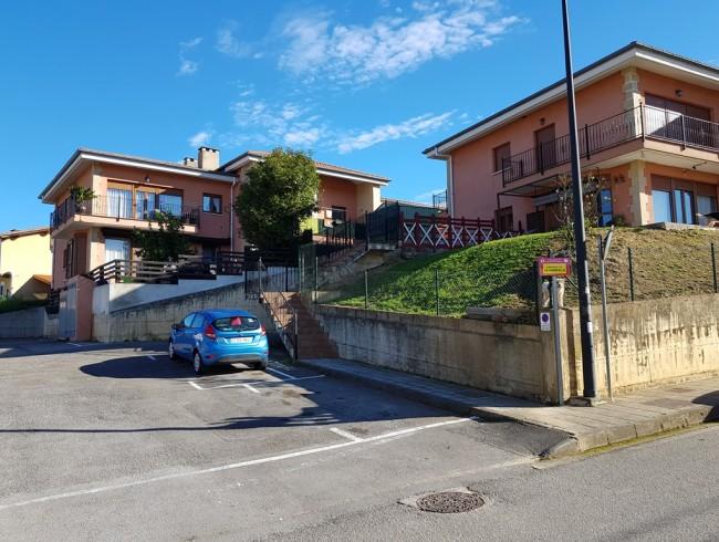 Piso en venta en San Felices de Buelna con 2 habitaciones, 1 baños y 89 m2 por 85.000 €