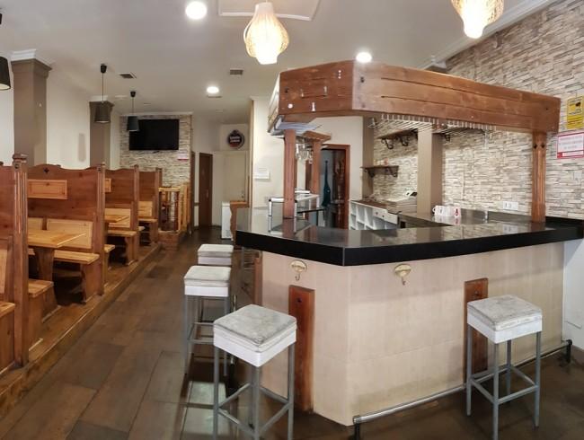 Local comercial en venta en Los Corrales de Buelna con 112 m2 por 240.000 €