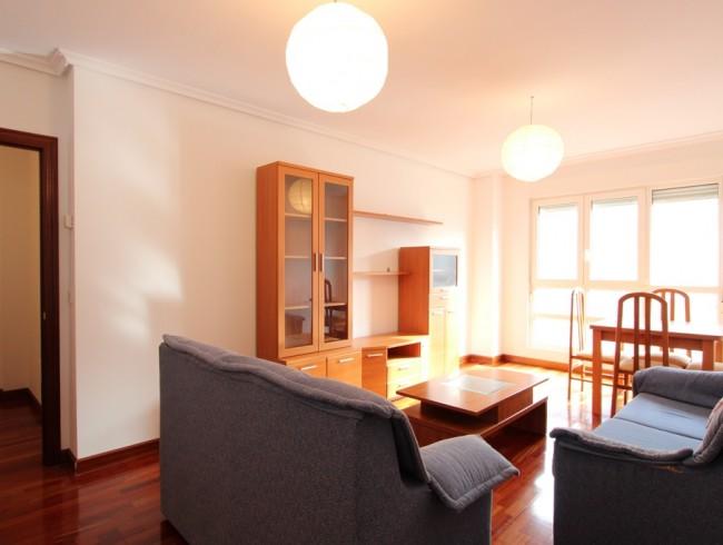 Piso en venta en Los Corrales de Buelna con 3 habitaciones, 2 baños y 87 m2 por 110.000 €