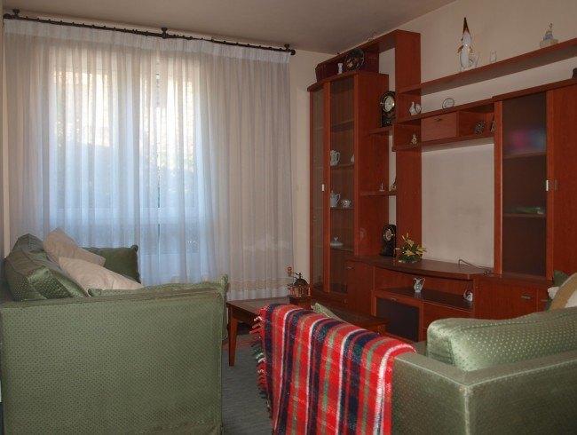 Piso en venta en Los Corrales de Buelna con 2 habitaciones, 1 baños y 67 m2 por 75.000 €