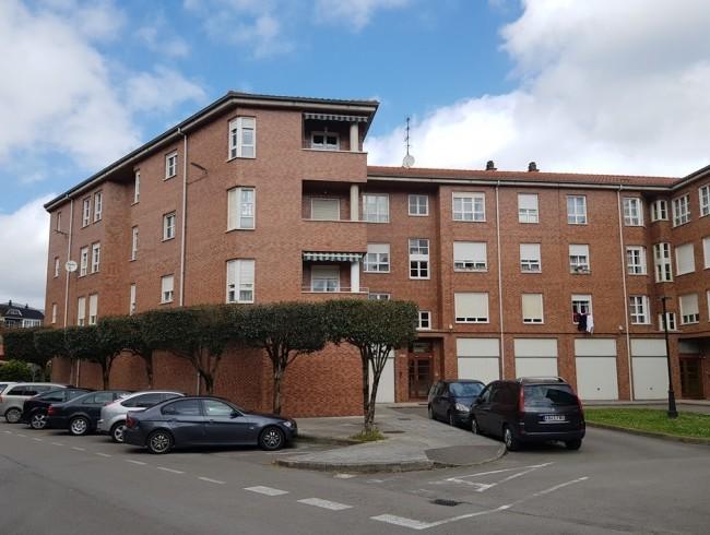Piso en venta en Los Corrales de Buelna con 3 habitaciones, 1 baños y 78 m2 por 78.000 €