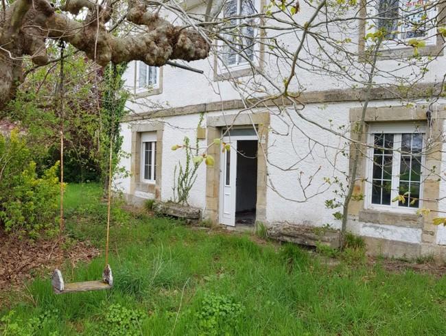 Casa en venta en Las Rozas de Valdearroyo con 11 habitaciones, 2 baños y 709 m2 por 195.000 €