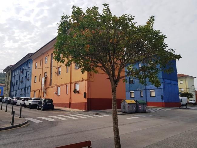 Piso en venta en Torrelavega con 3 habitaciones, 1 baños y 71 m2 por 30.000 €