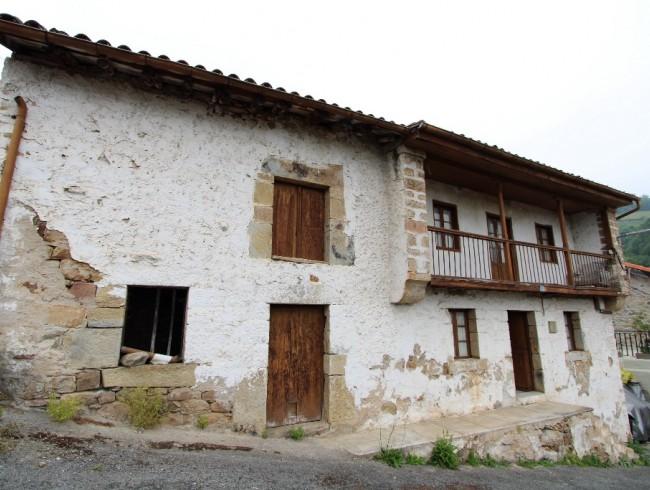 Casa en venta en Arenas de Iguña con 3 habitaciones, 1 baños y 164 m2 por 33.000 €
