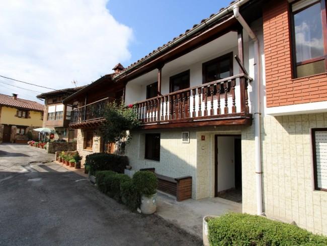 Casa en venta en Molledo con 4 habitaciones, 1 baños y 276 m2 por 85.000 €