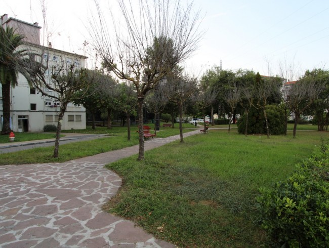 Piso en venta en Torrelavega con 2 habitaciones, 1 baños y 66 m2 por 54.000 €