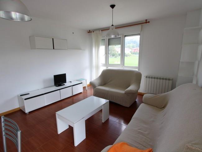 Piso en alquiler en San Felices de Buelna con 3 habitaciones, 1 baños y 82 m2 por 450 €/mes