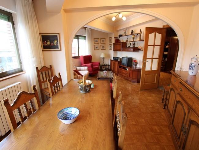 Piso en alquiler en Los Corrales de Buelna con 3 habitaciones, 1 baños y 123 m2 por 450 €/mes