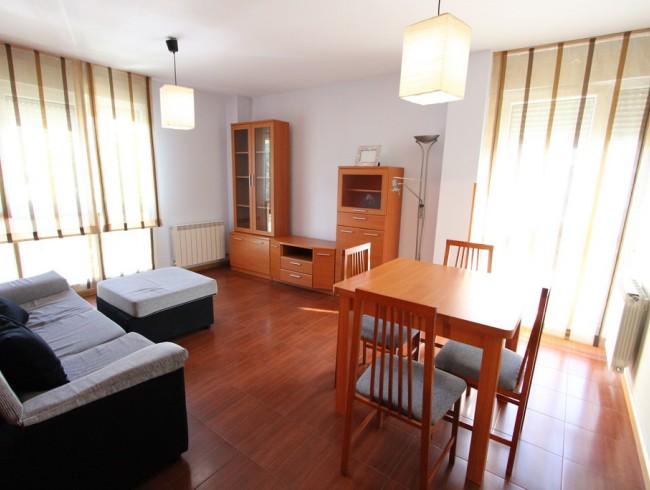 Piso en venta en San Felices de Buelna con 2 habitaciones, 1 baños y 68 m2 por 77.000 €