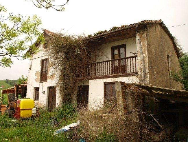 Casa en venta en Suances con 4 habitaciones, 1 baños y 441 m2 por 143.000 €