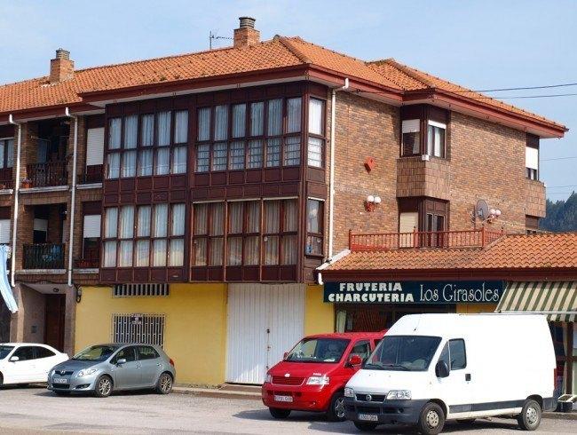 Local comercial en venta en Cabezón de la Sal con 94 m2 por 85.000 €